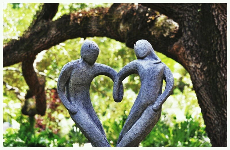 statues-dancing-256001_10150638103710174_723090173_19136558_3225741_o